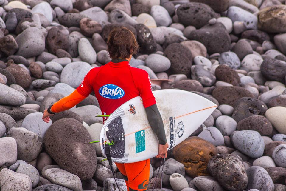 foto surfista com BRISA